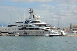 "Superyacht ""Palladium"" macht im Club de Mar fest"