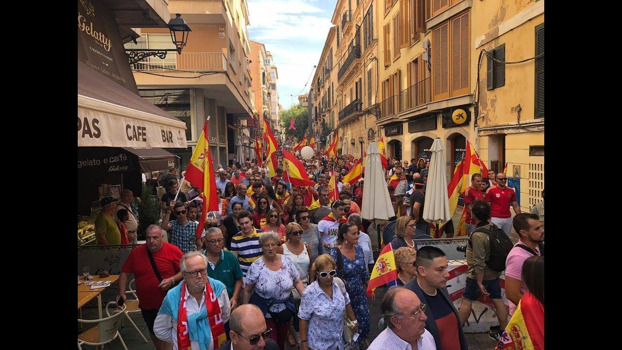 Hunderte gehen für die Einheit Spaniens auf die Straße