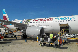 Eurowings-Jet auf dem Flughafen.
