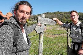 Quico Rebolledo (l.) und Bradley Mayhew haben die Hälfte ihrer Wanderung durch Andalusien hinter sich.