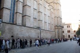 Bereits um 7.30 Uhr öffnet die Kathedrale ihre Pforten.