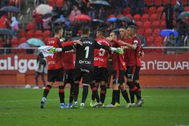 Real Mallorca siegt 3:1, Atlético Baleares spielt 0:0