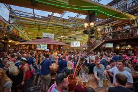 Playa-Lokale bieten billig Alkohol in Nebensaison an