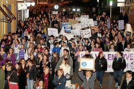 Demonstration gegen männliche Gewalt