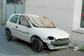 Immer mehr Schrottautos in Palmas Gewerbeparks