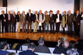 Das Gruppenbild zeigt alle Preisträger des Abends.