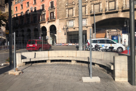 Zäune verunzieren zahlreiche Stellen in Palma