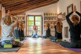 Zum Retreat gehören meistens Meditation und Yoga.