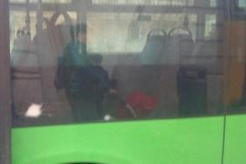 Neue Linie von EMT-Bus mit Steinwürfen angegriffen