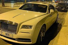 Rolls-Royce-Fahrer bedroht Passanten mit Pistole