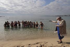 Das erste Bad des Jahres auf Mallorca