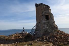 Calviàs alte Wehrtürme in sehr schlechtem Zustand