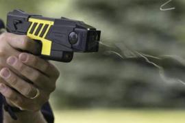 Polizisten auf Balearen bekommen Elektro-Pistolen