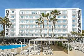 """Die Riu-Gesellschaft, die etwa das Hotel """"Riu San Francisco"""" an der Playa de Palma betreibt, gehört wirtschaftlich zu den stärksten Gewinnern im Hotelsektor der vergangenen zehn Jahre."""