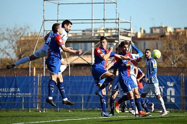 Atlético Baleares besiegt Langreo mit 3:1