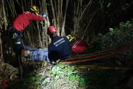 Mann fällt auf der Flucht vor der Polizei in Sóller-Sturzbach