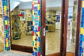 Erst Bäckerei, dann Immobilienbüro und jetzt Ausstellungsraum: Der Espai Gustavo in Capdepera.