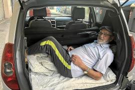 Dieser Mann aus Palma schläft in seinem Kofferraum