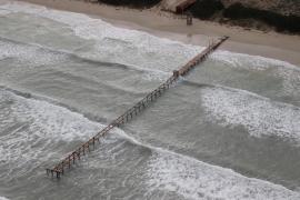 Der bekannte Steg an der Playa de Muro.