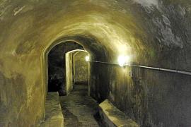 Der Bunker ist schlauchförmig.