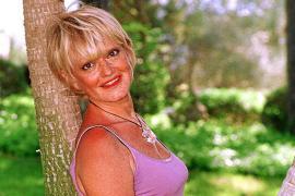 Rita Pavone im Jahr 2000 auf Mallorca. Auf der Insel hat sie ein Haus, verbringt nach eigenen Angaben viele schöne Stunden hier.