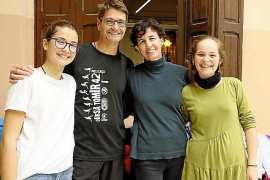 Haben sich direkt als Familie an-gemeldet: Angela Sánchez, Alejandro Sánchez, Jenny Montanet und Cousine Laura (v.l.n.r).