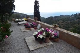 Plastikblumen auf Deiàs Friedhof künftig tabu
