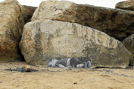 Dieses Bild zeigt den toten Flüchtlingsjungen Alan Kurdi.