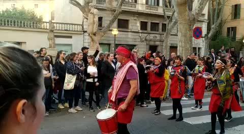 Tausende feiern Karneval auf Mallorca