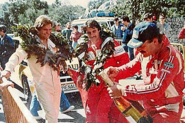 Anlass, die Schampusflasche zu köpfen gab es für den Motorsportler nach vielen Rennen.