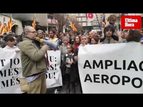 Demonstration gegen Flughafenumbau in Palma