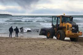 Mutmaßliches Drogenboot an Playa de Palma gefunden