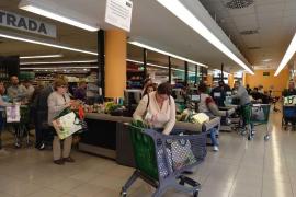 MM-Stichprobe in einem Supermarkt auf Mallorca