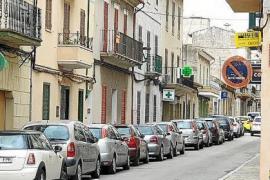 Dorfbewohner müssen Autos trotz Corona umparken