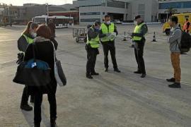 Unerlaubt nach Ibiza geflogen und von Guardia Civil gefasst