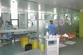 Umfrage: Bestnoten für Pfleger und Kassierer