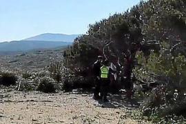Guardia Civil zeigt Camper an der Cala Mitjana an