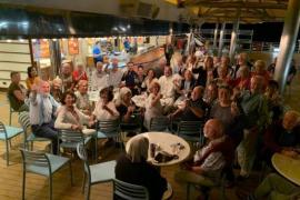 Kreuzfahrttouristen dürfen in Barcelona an Land gehen