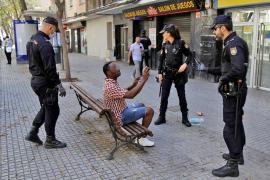 Nationalpolizisten stürmen Problemviertel Son Gotleu