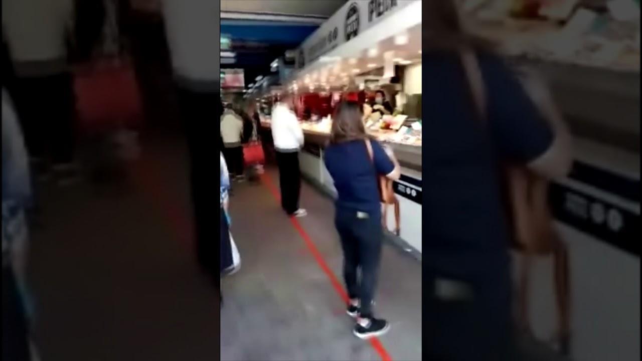 Keine Sicherheitsabstände im Pere-Garau-Markt auf Mallorca