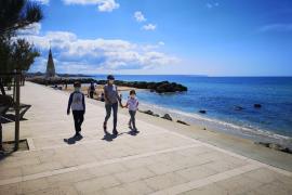 Kinder auf Mallorca bringen erstmals wieder Leben in die Straßen