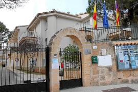 Der Eingang zum Seniorenheim Es Castellot.