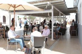 Formentera, Nachbarinsel von Mallorca, wacht auf