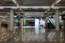 Noch ist es leer am Airport von Mallorca.