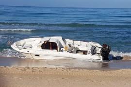 Jetzt hat auch die Playa de Palma ein Geisterboot