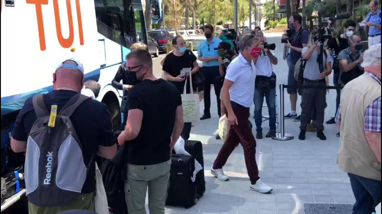 Beifall auf Mallorca für die ersten deutschen Urlauber