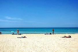 Deutsche Urlauber monieren fehlende Liegen auf Playa de Palma