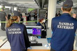 Diese Gesundheits-Profis schauen sich Passagiere im Mallorca-Airport an
